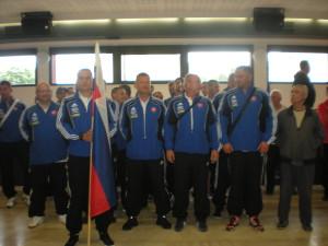 Equipe Slovaque avec son interprête Ludo ( à droite)