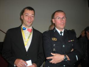 Le Président avec un adjudant de gendarmerie