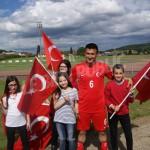chaque-delegation-ici-la-turque-avait-ses-supporters-photo-y-d-1466446632
